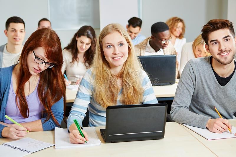 Sinh viên học Master Canada
