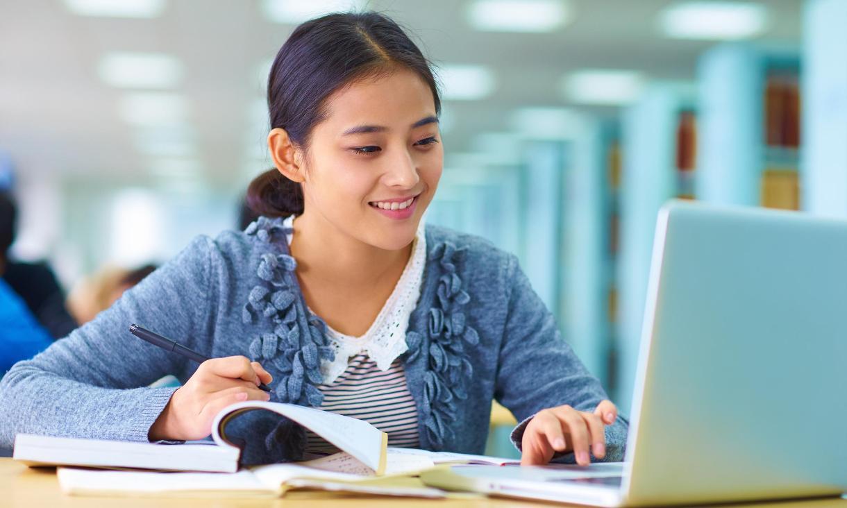 khóa luyện thi để vào học tại một trường công Singapore