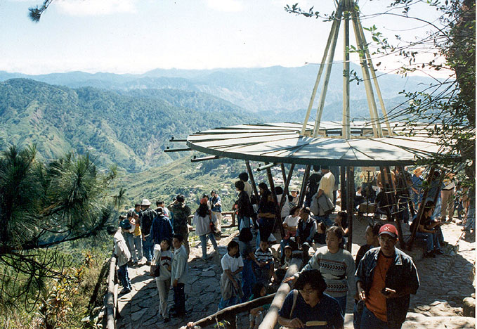 Du học tại Baguio - Mines View